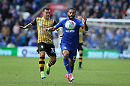 Liam Feeney of Cardiff city ® holds off Ross Wallace of Sheffield Wednesday. EFL Skybet championship match, Cardiff city v Sheffield Wednesday at the Cardiff City Stadium in Cardiff, South Wales on Saturday 16th September 2017.<br /> pic by Andrew Orchard, Andrew Orchard sports photography.