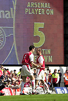 Foto: Peter Spurrier, Digitalsport<br /> NORWAY ONLY<br /> <br /> 15/05/2004  - 2003/04 Premiership Football - Arsenal v Leicester City<br /> <br /> Freddie Ljungberg [right] comes off, for Martin Keown to make his last appearance for Arsenal.