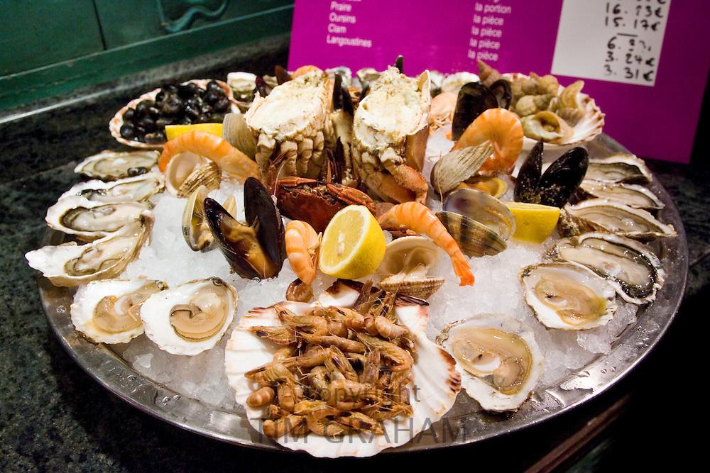 Ready to eat seafood platter at Le Petit Zinc Restaurant near Boulevard Saint Germain, Left Bank, Paris, France