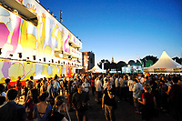 GEPA-2906087392A - WIEN,AUSTRIA,29.JUN.08 - FUSSBALL - UEFA Europameisterschaft, EURO 2008, Host City Fan Zone, Fanmeile, Fan Meile, Public Viewing. Bild zeigt den Bank Austria UniCredit Group Tower.<br />Foto: GEPA pictures/ Reinhard Mueller