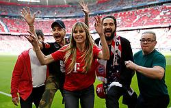 18.05.2019, Allianz Arena, Muenchen, GER, 1. FBL, FC Bayern Muenchen vs Eintracht Frankfurt, 34. Runde, im Bild Heidi Klum und Tom Kaulitz mit seiner Band, Tokio Hotel beim letzten Spiel der Saison // during the German Bundesliga 34th round match between FC Bayern Muenchen and Eintracht Frankfurt at the Allianz Arena in Munich, Germany on 2019/05/18. EXPA Pictures © 2019, PhotoCredit: EXPA/ SM<br /> <br /> *****ATTENTION - OUT of GER*****