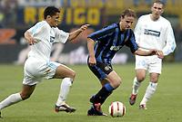 Fotball<br /> UEFA-cup 2003/04<br /> Inter Milan v Olympique Marseille<br /> 14. april 2004<br /> Foto: Digitalsport<br /> NORWAY ONLY<br /> <br /> ANDY VAN DER MEYDE (INT) / SYLVAIN N'DIAYE (OM)