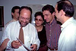 Dilma Rousseff e outras lideranças políticas  durante reunião do PDT para escolher os nomes para compor o Secretariado de Olívio Dutra em novembro 1998. FOTO: Sérgio Néglia/Preview.com