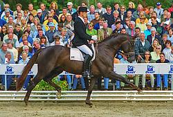 , Warendorf - Bundeschampionate 29.08. - 02.09.2001, Welt Hit VI - Möller, Ulf Dr - Championatssieger裼