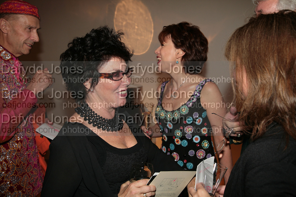 Andrew Logan, Ruby Wax, Kathy Lette and Lindsay de Paul, ' Show Off' Theo Fennell exhibition co-hosted wit Vanity Fair. Royal Academy. Burlington Gdns. London. 27 September 2007. -DO NOT ARCHIVE-© Copyright Photograph by Dafydd Jones. 248 Clapham Rd. London SW9 0PZ. Tel 0207 820 0771. www.dafjones.com.
