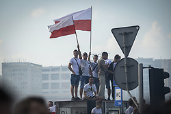 August 1, 2018 - Warsaw, Poland - Thousands gathered at five o clock in the center of Warsaw, Poland on 1 August, 2018. The date is the exact time 74 years ago that the uprising against Nazi occupiers started. For three minutes sirens sound in remembrance of the victims however nationalists who revved their motorcycles overpowered the sound of the sirens. (Credit Image: © Jaap Arriens/NurPhoto via ZUMA Press)