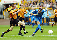 Fotball<br /> England 2004/2005<br /> Foto: SBI/Digitalsport<br /> NORWAY ONLY<br /> <br /> Wolverhampton Wanderers v Cardiff City<br /> The League Championship. 25/09/2004<br /> Alan Lee goes very close in the first minute. Jody Craddoc watching on