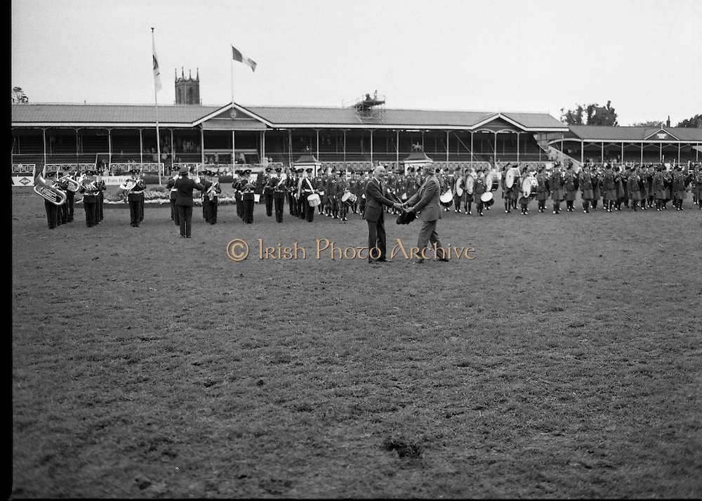 Guinness Competitions At The RDS Horse Show.(R39)..1986..09.08.1986..08.09.1986..9th August 1986..At the Dublin Horse Show at the RDS, Guinness sponsor several events,The Guinness Match International, The Novice Championship and the Guinness Tankard...Image shows the bands who took part in the closing ceremony at the Dublin Horse Show.