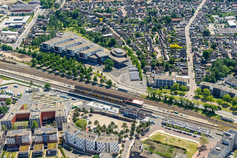 Nederland, Gelderland, Apeldoorn, 29-05-2019; Apeldoorn stadhuis.<br /> City hall Apeldoorn.<br /> luchtfoto (toeslag op standard tarieven);<br /> aerial photo (additional fee required);<br /> copyright foto/photo Siebe Swart