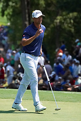 August 10, 2018 - St. Louis, Missouri, United States - Adam Scott waves to the crowd after putting the 9th green during the second round of the 100th PGA Championship at Bellerive Country Club. (Credit Image: © Debby Wong via ZUMA Wire)