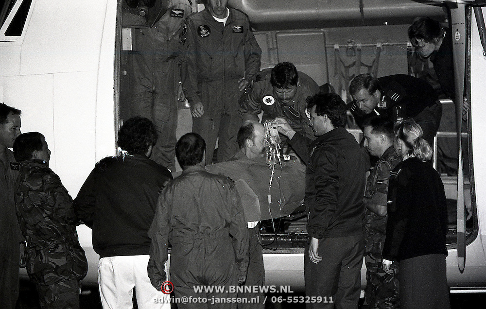NLD/Soesterberg/19931007 - Medische evacuatievlucht van Bosniers op Soesterberg