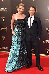 Seth Green; Clare Grant bei der Ankunft zur Verleihung der Creative Arts Emmy Awards in Los Angeles / 110916 <br /> <br /> *** Arrivals at the Creative Arts Emmy Awards in Los Angeles, September 11, 2016 ***