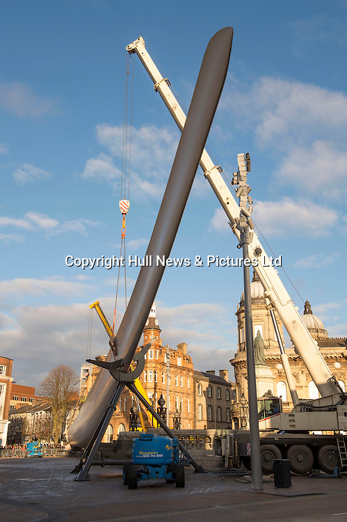 8 January 2017: A 75metre Siemens wind turbine blade is moved into Hull City centre ithis morning where it will become an art installation in Queen Victoria Square. The artist is Nayan Kulkarni and it is part of the Look Up programme of major commissions for Hull UK City of Culture 2017. The blade took four hours to be transported the two mile journey from the Siemens Factory where it was built.<br /> Picture: Sean Spencer/Hull News & Pictures Ltd<br /> 01482 210267/07976 433960<br /> www.hullnews.co.uk         sean@hullnews.co.uk