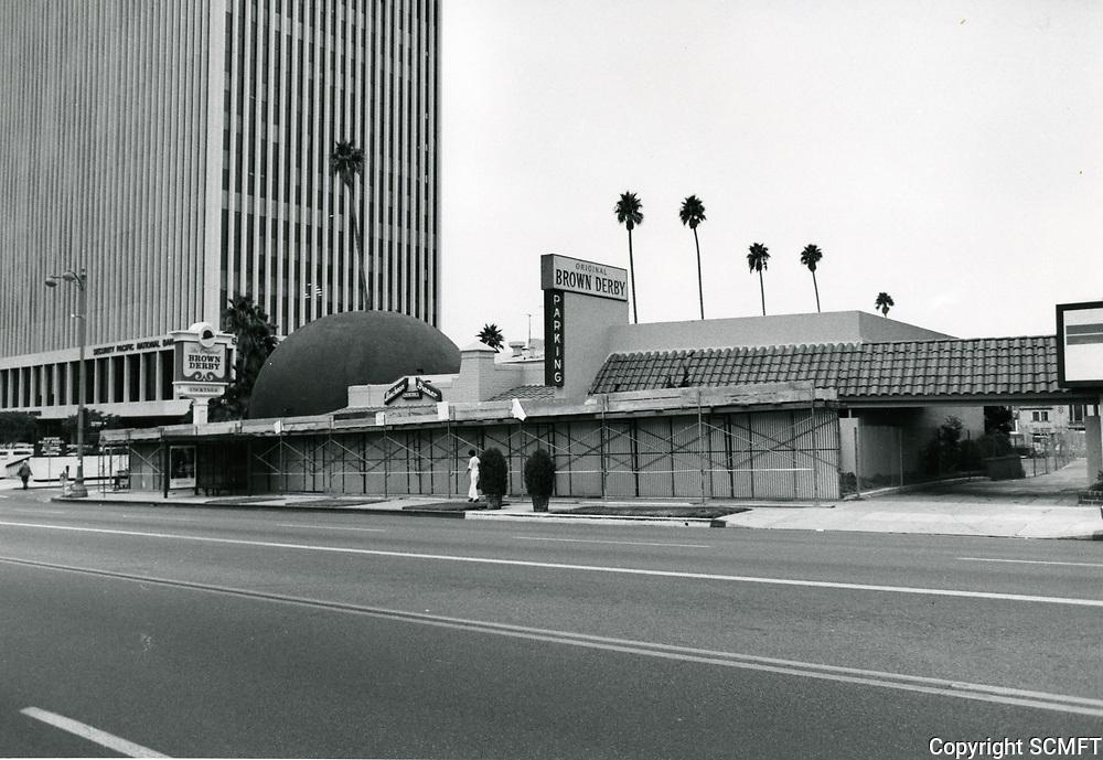 1980 The Brown Derby Restaurant on Wilshire Blvd.