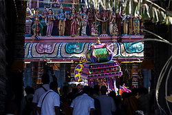 © Licensed to London News Pictures. 24/01/2016 Ipoh, Malaysia. People watch a devotee carrying a kavadi dance at Kallumalai Murugan Temple in Ipoh, Malaysia, during the Thaipusam Festival, Sunday, Jan. 24, 2016. Photo credit : Sang Tan/LNP