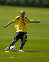Photo: Richard Lane.<br />Arsenal Training Session. The Barclays Premiership. 11/05/2006.<br />Freddie Ljungberg during training.