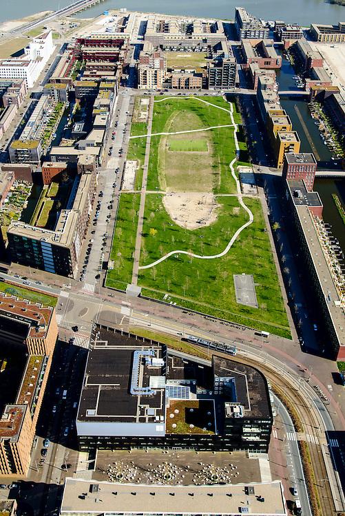 Nederland, Noord-Holland, Amsterdam, 20-04-2015; Theo van Goghpark en Pampuslaan. IJburg, the new urban development district of Amsterdam, with its main park.<br /> luchtfoto (toeslag op standard tarieven);<br /> aerial photo (additional fee required);<br /> copyright foto/photo Siebe Swart