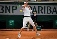 Iga Swiatek of Poland in action against Simona Halep of Romania during the fourth round at the Roland Garros 2020, Grand Slam tennis tournament, on October 4, 2020 at Roland Garros stadium in Paris, France - Photo Rob Prange / Spain ProSportsImages / DPPI / ProSportsImages / DPPI