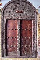 Kenya, archipel de Lamu, ville de Lamu patrimoine mondial de l'Unesco, ancienne porte // Kenya, Lamu island, Lamu town, Unesco world heritage, omd door