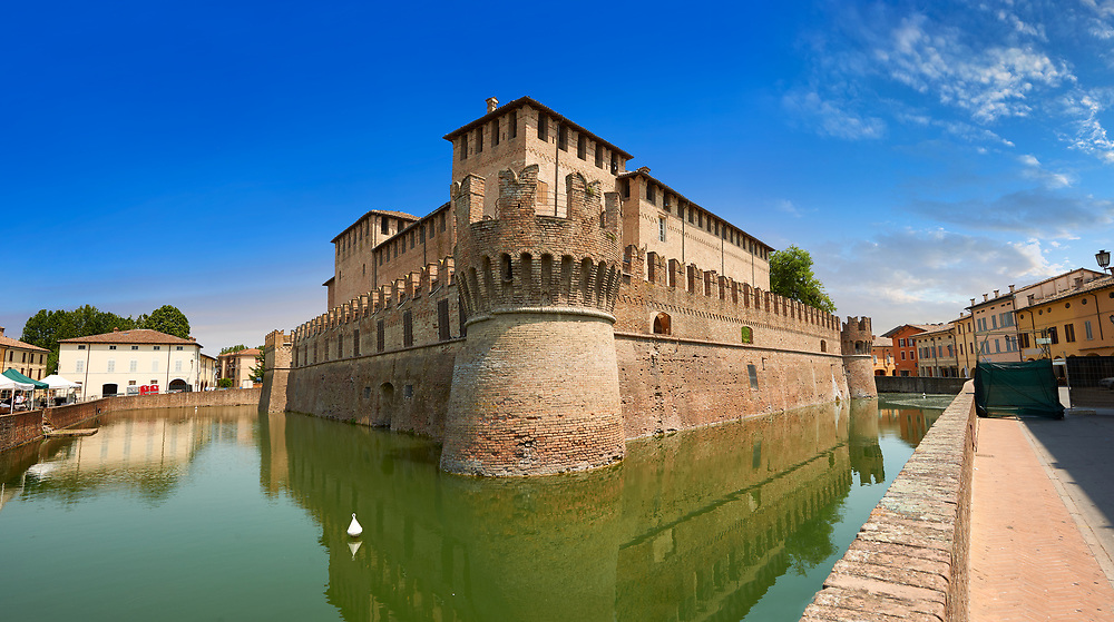 Picture & image of the exterior of the late medieval (13th century) moated urban castle reisdence of Rocca Sanvitale ( Sanvitale Castle ),  Fontanellato, Italy<br /> <br /> Visit our ITALY PHOTO COLLECTION for more   photos of Italy to download or buy as prints https://funkystock.photoshelter.com/gallery-collection/2b-Pictures-Images-of-Italy-Photos-of-Italian-Historic-Landmark-Sites/C0000qxA2zGFjd_k .<br /> If you prefer to buy from our ALAMY PHOTO LIBRARY  Collection visit : https://www.alamy.com/portfolio/paul-williams-funkystock/rocca-sanvitale.html .<br /> <br /> Visit our ITALY HISTORIC PLACES PHOTO COLLECTION for more   photos of Italy to download or buy as prints https://funkystock.photoshelter.com/gallery-collection/2b-Pictures-Images-of-Italy-Photos-of-Italian-Historic-Landmark-Sites/C0000qxA2zGFjd_k<br /> .<br /> <br /> Visit our MEDIEVAL PHOTO COLLECTIONS for more   photos  to download or buy as prints https://funkystock.photoshelter.com/gallery-collection/Medieval-Middle-Ages-Historic-Places-Arcaeological-Sites-Pictures-Images-of/C0000B5ZA54_WD0s