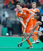 ROTTERDAM - HOCKEY - Seve van Ass tijdens de wedstrijd tussen de mannen bvan Nederland en Nieuw Zeeland (3-3)  bij de Rabobank Hockey World League in Rotterdam. ANP KOEN SUYK