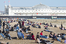 April 17, 2018 - Brighton, East Sussex, United Kingdom - Brighton, UK. Members of the public take to the beach in Brighton and Hove as sunny and warmer weather continues to hit the seaside resort. (Credit Image: © Hugo Michiels/London News Pictures via ZUMA Wire)