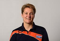 07-04-2014 NED: SELECTIE JONG ORANJE: ARNHEM<br /> Volleybalteam Jong Oranje / Saskia van Hintum, Assistent-bondscoach<br /> ©2014-FotoHoogendoorn.nl