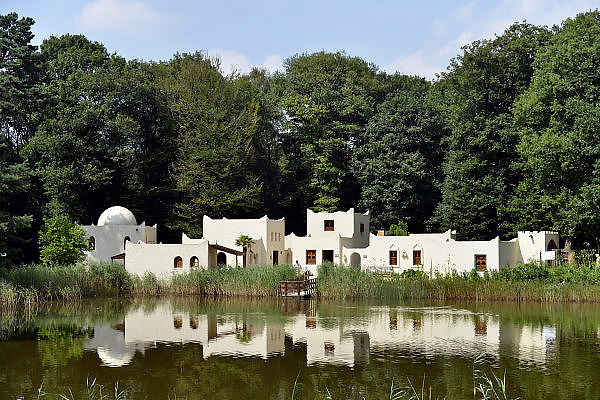 Nederland, Heilig Landstichting, 1-8-2014Museumpark Orientalis viert het Laat-Romeins Festival. Een gelegenheid in het teken van de Romeinen. Romeinse re-enactors uit West-Europa, Spanje, Duitsland, Frankrijk, Nederland en Engeland, beleven het leven in de nadagen van het Romeinse Rijk. Heilig Landstichting is een dorp in de gemeente Groesbeek, Gelderland en ligt tegen Nijmegen aan. Het dorp is genoemd naar het hier gelegen Museumpark Orientalis, dat voorheen Bijbels openluchtmuseum Heilig Land Stichting heette. Tegenwoordig richt het zich ook op andere godsdiensten, zoals de islam. De sultan van Oman heeft een arabisch dorp aan het museum geschonken, compleet met moskee.FOTO: FLIP FRANSSEN/ HOLLANDSE HOOGTE