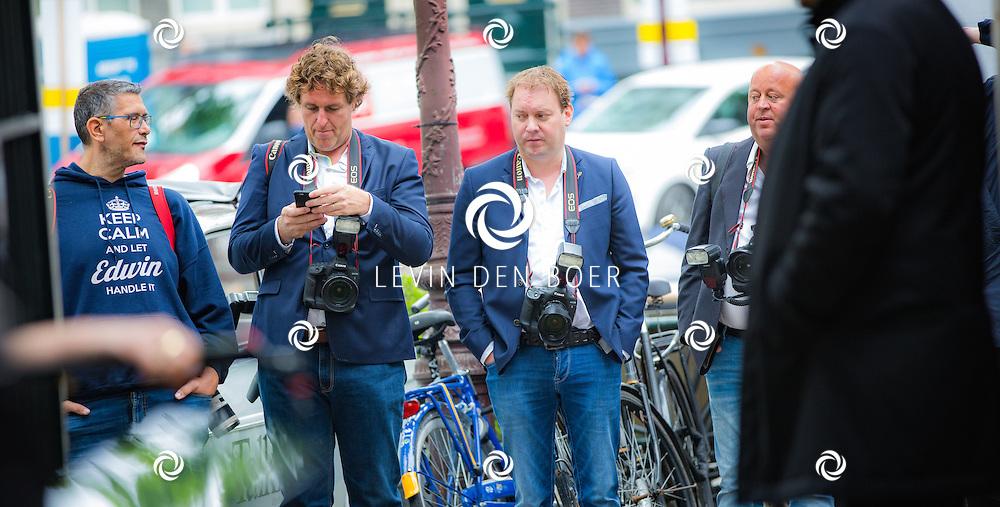 AMSTERDAM - In The Dylan zijn de Talkies Terras Awards uitgereikt voor beste terras 2016. Met hier op de foto fotografen vlnr Edwin Janssen, Edwin Smulders, Dennis van Tellingen en Reni van Maren. FOTO LEVIN & PAULA PHOTOGRAPHY VOF