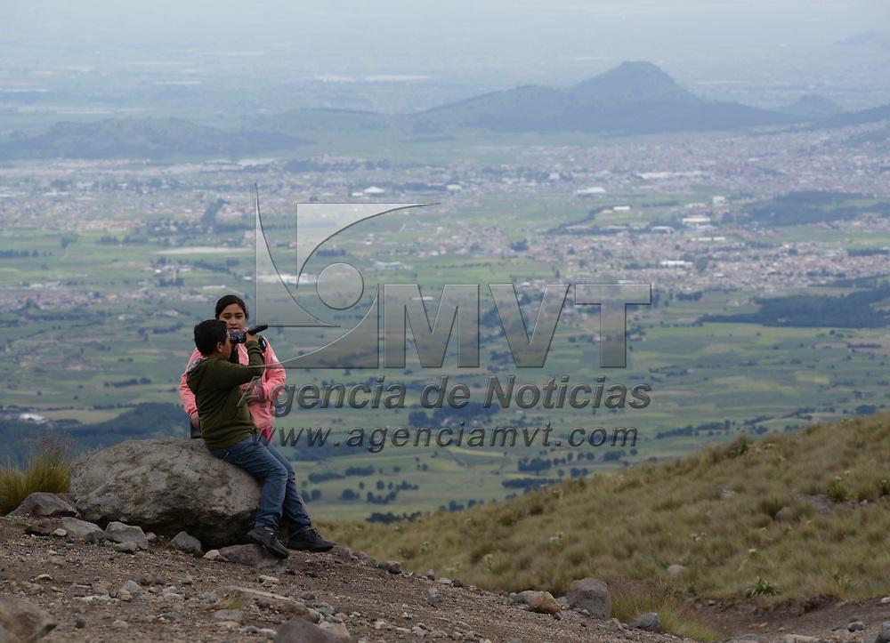 Toluca, México.- Visitantes del Estado de México y locales acuden al Nevado de Toluca de visita como parte de sus actividades de vacaciones. Agencia MVT / Crisanta Espinosa