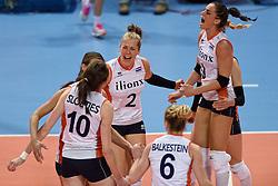 04-01-2016 TUR: European Olympic Qualification Tournament Nederland - Duitsland, Ankara <br /> De Nederlandse volleybalvrouwen hebben de eerste wedstrijd van het olympisch kwalificatietoernooi in Ankara niet kunnen winnen. Duitsland was met 3-2 te sterk (28-26, 22-25, 22-25, 25-20, 11-15) / Femke Stoltenborg #2, Myrthe Schoot #9