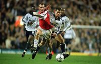 Fredrik Ljungberg (Arsenal) Stephen Clemence (Tottenham). Tottenham 1:1 Arsenal, FA Carling Premiership, 18/12/2000. Credit Colorsport / Andrew Cowie.