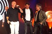 Uitreiking van de Edison POP 2014 awards in de The Harbour Club, Amsterdam<br /> <br /> Op de foto:  Blof met de Edison oeuvreprijs