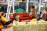 UTRECHT, 8-12-2020, Universiteit Utrecht<br /> <br /> Koningin Maxima tijdens een werkbezoek aan de Universiteit Utrecht. Het werkbezoek stond in het teken van de impact van de uitbraak van het coronavirus op het onderwijs en op het welzijn van studenten en docenten.<br /> <br /> Queen Maxima during a working visit to Utrecht University. The working visit was devoted to the impact of the coronavirus outbreak on education and the well-being of students and teachers.