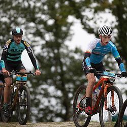 04-10-2020: Wielrennen: Geopark Classic: Gasselte<br />(30) Milan Touw, (6) Wilbert Broekhuizen