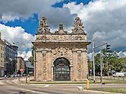 Szczecin, (woj. zachodniopomorskie), 15.07.2013. Brama Królewska – brama miejska Szczecina.