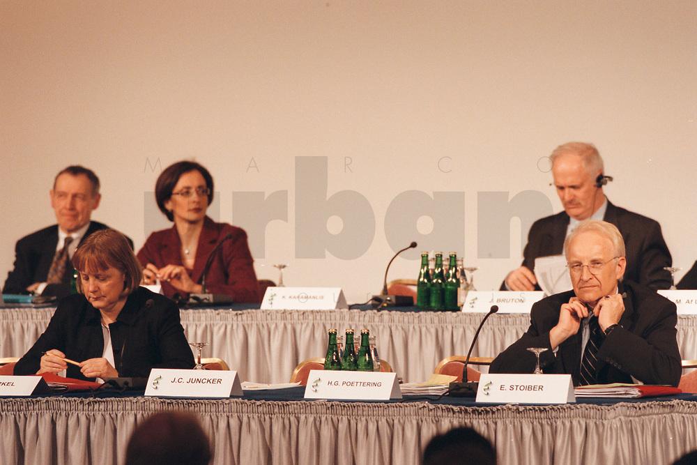 11 JAN 2001, BERLIN/GERMANY:<br /> Angela Merkel, CDU Bundesvorsitzende, und Edmund Stoiber, CSU Vorsitzender und Ministerpraesident Bayern, Kongress der Europaeischen Volkspartei, EVP, Hotel Intercontinental<br /> IMAGE: 20010111-01/01-24<br /> KEYWORDS: Landesvertretung