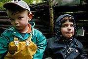 Svizzera, asilo nel bosco, Zurigo.... Switzerland, Zurich, every day the children leave the kindergarten and walk for more than one Kilometre, in order to continue the day in the wood..