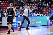 DESCRIZIONE : Varese FIBA Eurocup 2015-16 Openjobmetis Varese Telenet Ostevia Ostende<br /> GIOCATORE : Paolo Moretti<br /> CATEGORIA : Allenatore Coach Mani <br /> SQUADRA : Openjobmetis Varese<br /> EVENTO : FIBA Eurocup 2015-16<br /> GARA : Openjobmetis Varese - Telenet Ostevia Ostende<br /> DATA : 28/10/2015<br /> SPORT : Pallacanestro<br /> AUTORE : Agenzia Ciamillo-Castoria/M.Ozbot<br /> Galleria : FIBA Eurocup 2015-16 <br /> Fotonotizia: Varese FIBA Eurocup 2015-16 Openjobmetis Varese - Telenet Ostevia Ostende