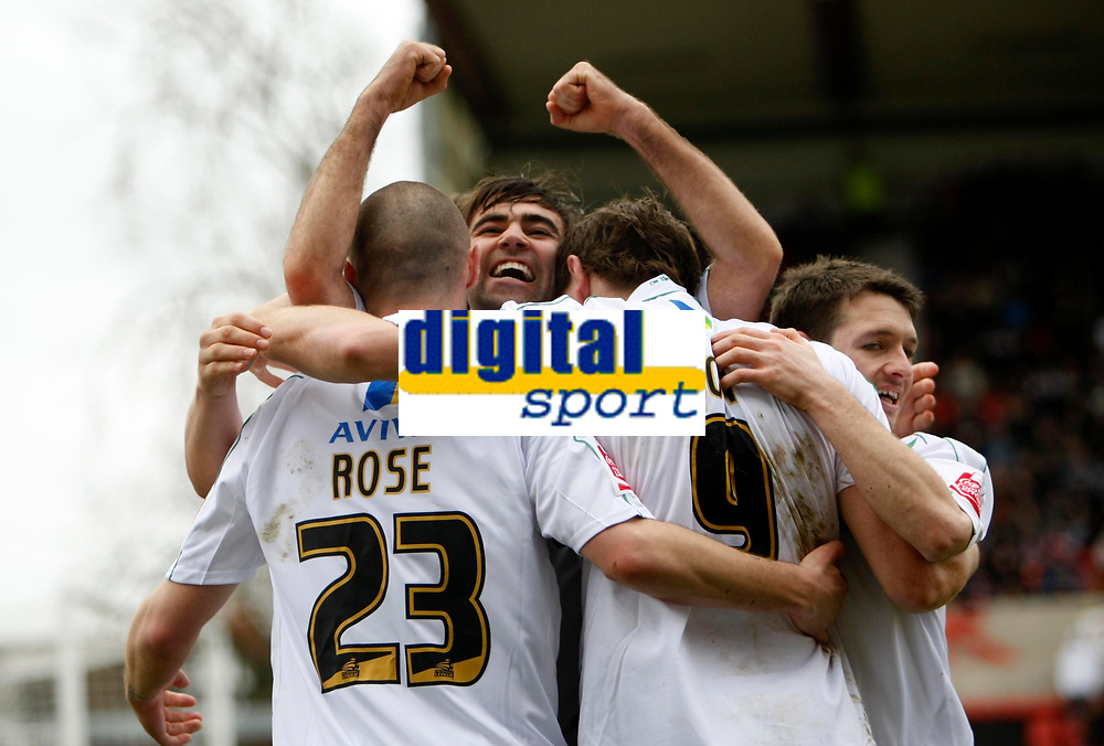 Photo: Richard Lane/Richard Lane Photography. Swindon Town v Norwich City. Coca-Cola Football League One. 20/03/2010. Norwich's Simon Lappin (c) celebratres Grant Holt's goal.