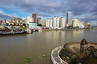 Philippines, ile de Luzon, Manille, vue generale depuis Intramuros. Riviere Pasig.// Philippines, Luzon island, Manila, general view from intramuros, Pasig river.