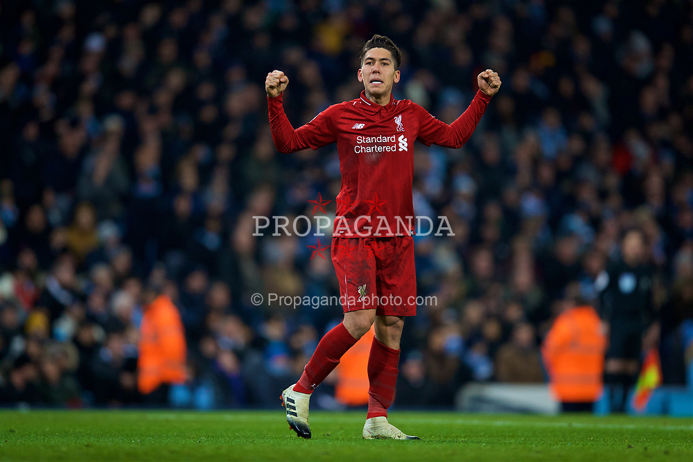 MANCHESTER, ENGLAND - Thursday, January 3, 2019: Liverpool's Roberto Firmino celebrates scoring the first equalising goal during the FA Premier League match between Manchester City FC and Liverpool FC at the Etihad Stadium. (Pic by David Rawcliffe/Propaganda)