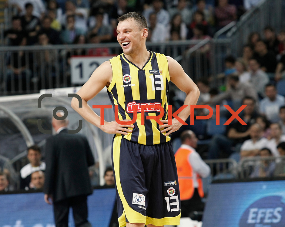 Fenerbahce's Sarunas JASIKEVICIUS during their Turkish Basketball Legague Play-Off semi final second match Efes Pilsen between Fenerbahce at the Sinan Erdem Arena in Istanbul Turkey on Friday 27 May 2011. Photo by TURKPIX