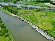 Nederland, Utrecht, Nieuwegein; 14–05-2020; Lekkanaal en Schalkwijkse Wetering. Boven in beeld Amsterdam-Rijnkanaal en de Plofsluis. Het Lekkanaal is verbreed, monumentale objecten van de Nieuw Hollandse Waterlinie (NHW)zijn (deels) verplaatst en zichtbaar gemaakt.<br /> Lek channel and Schalkwijkse Wetering. The Lek Canal has been widened, monumental objects of the New Holland Water Line (NHW) have been (partly) moved and made visible.<br /> <br /> luchtfoto (toeslag op standaard tarieven);<br /> aerial photo (additional fee required)<br /> copyright © 2020 foto/photo Siebe Swart