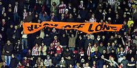 Photo: Leigh Quinnell.<br /> Reading v Southampton. Coca Cola Championship. 10/02/2006. Southampton fans unfurl a banner saying Duck Off Lowe.