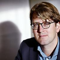 Nederland, Utrecht , 27 januari 2015.<br /> Arjan in 't Veld.<br /> Arjan in't Veld, 27 jaar, woonachtig in Utrecht en directeur van Bureauvijftig; een marketing- en communicatiebureau volledig gespecialiseerd in 50+ doelgroepen. Een groep die enorm groeit door de dubbele vergrijzing (5,7 miljoen in aantal) en die vermogender en kapitaalkrachtiger is dan alle andere doelgroepen in Nederland. Bureauvijftig bestaat onofficieel sinds eind 2009 en officieel vanaf 25 februari 2010. <br /> Foto:Jean-Pierre Jans