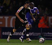Photo: Steve Bond.<br />Leicester City v Cardiff City. Coca Cola Championship. 26/11/2007. Joe Ledley attacks