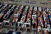 Nederland, Rotterdam, Maasvlakte, 20-03-2009; Europahaven, ECT Delta Terminal, container terminal met geautomatiseerde portaalkranen en containers van onder andere Hundai, Mol, Maersk Sealand.  ECT Delta Terminal, container terminal with automated stacking cranes (ASC). Containers belong a.o. to Hundai, Mol, Maersk Sealand..Swart collectie, luchtfoto (toeslag); Swart Collection, aerial photo (additional fee required); .foto Siebe Swart / photo Siebe Swart