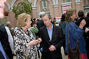 LADY ANTONIA PINTER AND MARTIN AMIS, Launch of the new magazine 'Standpoint'. Wallace Collection. Manchester Sq. London. 28 May 2008.  *** Local Caption *** -DO NOT ARCHIVE-© Copyright Photograph by Dafydd Jones. 248 Clapham Rd. London SW9 0PZ. Tel 0207 820 0771. www.dafjones.com.