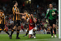 Fotball<br /> England<br /> Foto: Colorsport/Digitalsport<br /> NORWAY ONLY<br /> <br /> Carlos Vela (Arsenal) puts his head in his hands as another chance goes begging. Arsenal Vs Hull City. Barclays Premier League. Emirates Stadium. London. 27/09/2008